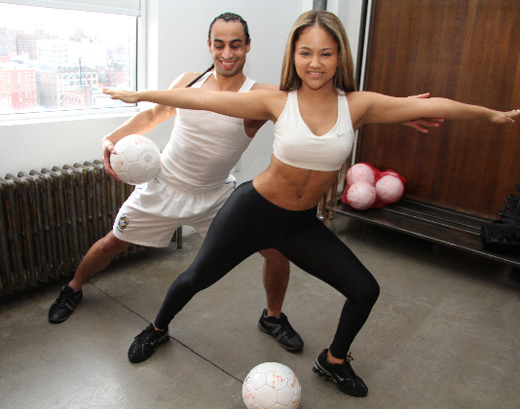 Kat Deluna workout fitness fashion mizzfit